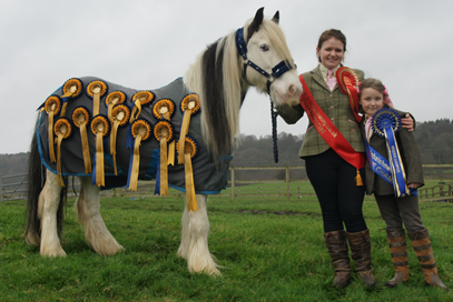 Riding School Individual Champion 2016 - Becky Oglesby and Reserve Ariella Harvie